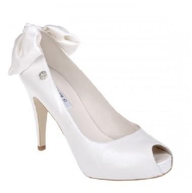 cuplé-catálogo-zapatos-de-novia-1