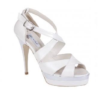 cuplé-catálogo-zapatos-de-novia-2