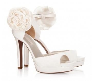 pura-lópez-catálogo-zapatos-novia-1